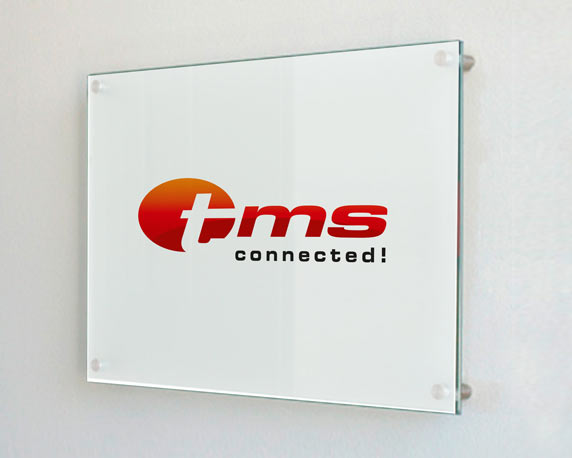 tms connected!, Corporate Design Relaunch, Schild
